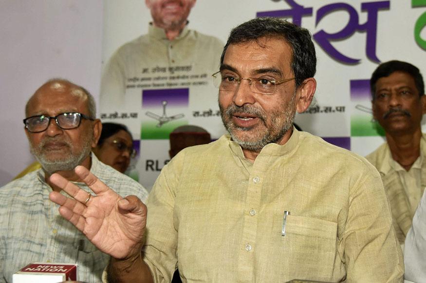 Chandrababu Naidu Proposes Anti-BJP Front to 'Save Democracy', Meets